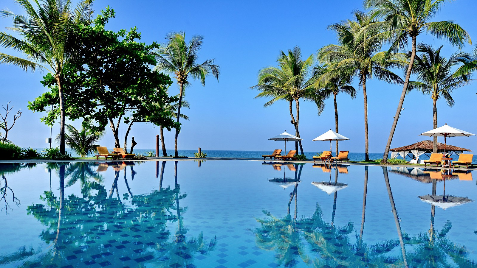 Aureum palace hotel ngwe saung, Hotels in ngwe saung, Htoo Hospitality